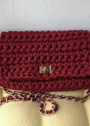 Сумка цвета бордо (марсала) вязаная из трикотажной пряжи hand-made