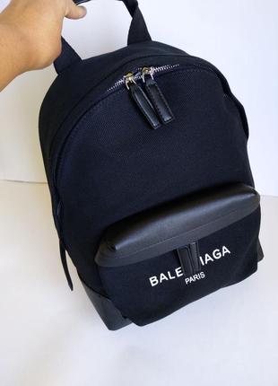 Стильный рюкзак бренд