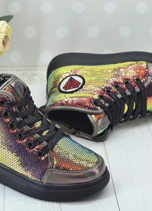 Шикарные ботинки в пайетках