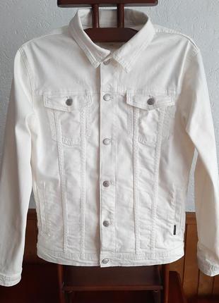 Стильная курточка джинсовая молочного цвета р m/l 48-50