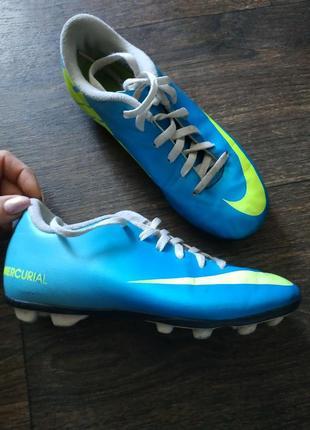 Кеды для футбола, бутсы на шипах, футзалки, кроссовки