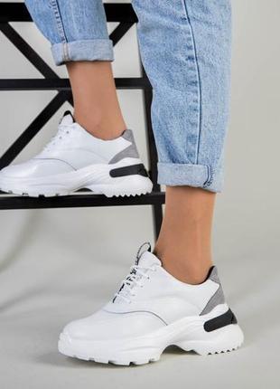 Серые кросовки натуральная кожа. кросовки на платформе