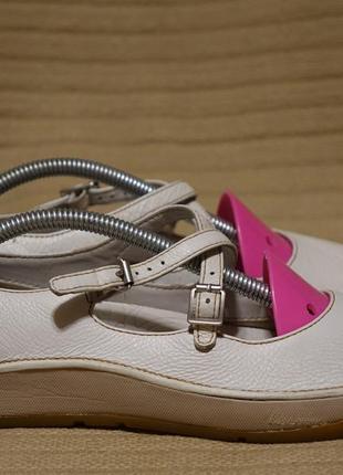 Легкие фирменные кожаные туфельки clarks active air англия 5 1/2 ( 24,5 см.)