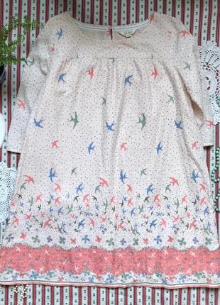 Нежное платье туника в горох с птичками fat face на 12-13 лет