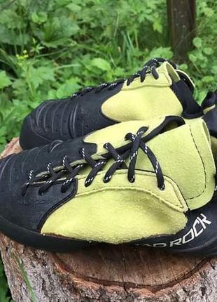 Скальні туфлі mad rock