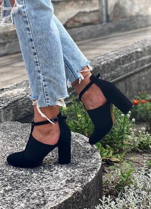 Новые женские черные замшевые туфли