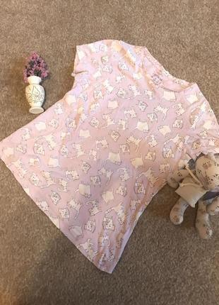 Розовая футболочка с котиками primark очень классная 😻