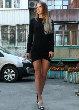 Універсальна чорна сукня