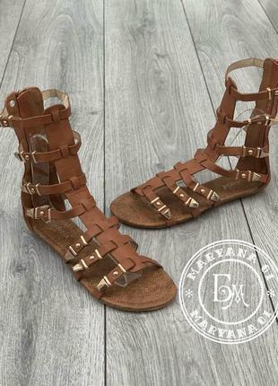 Женские сандалии гладиаторы коричневые