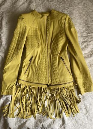 Кожаная куртка с отстёгивающейся бахромой