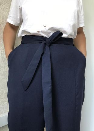 Лаконичные тёмно-синие брюки/штаны на высокой посадке