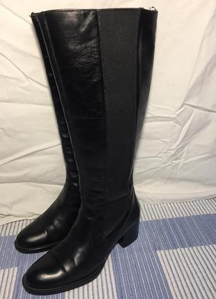 Чёрные кожаные сапоги