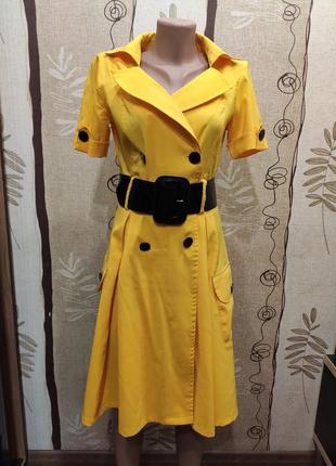 Яркое жёлтое летнее платье на запах