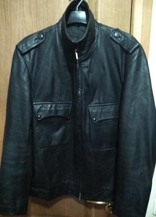 Куртка чёрная плотная кожа мягкая*riri* размер  54. смотрите  строго замер!!