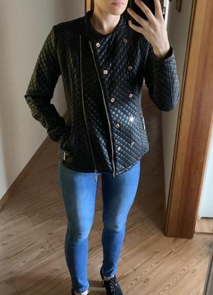 Курточка (нужен ремонт)
