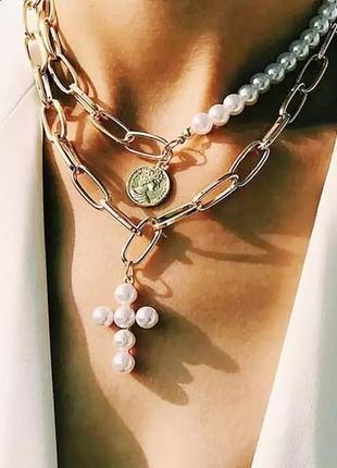 Массивное ожерелье чокер многослойная цепочка колье золотистое жемчуг крест монетка