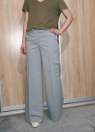 Трендовые серые широкие свободные брюки палаццо с карманами в стиле милитари,карго