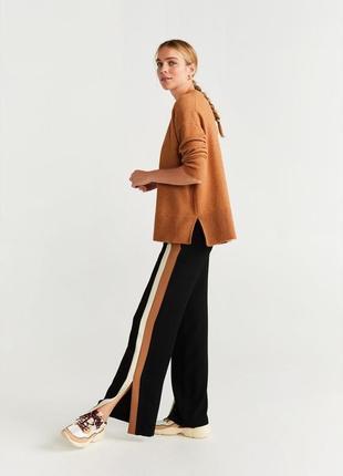 Как новые! трендовые актуальные очень красивые черные брюки с лампасами