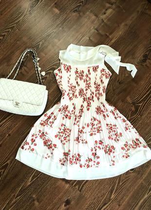 Платье в цветы флора италия