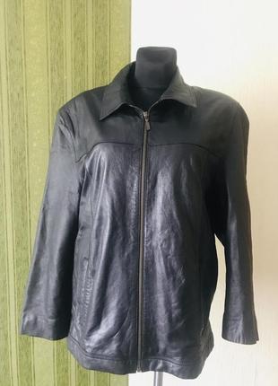 Шикарная кожаная куртка bellucci италия