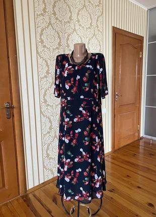 Прекрасное нарядное шифоновое платье в принт😍