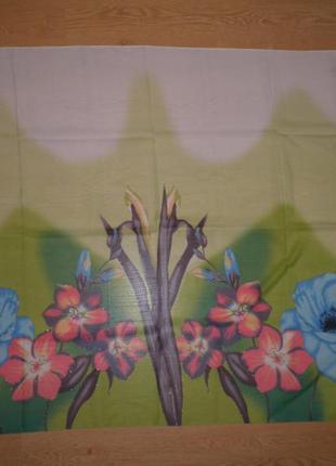 Шаль парео с нежным цветочным рисунком 150х110см полиестер