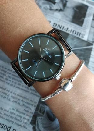 Часы наручные женские мужские унисекс черные на силиконовом ремешке годинник