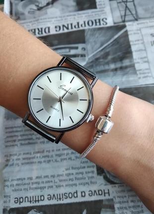 Часы наручные женские мужские унисекс черные серые на силиконовом ремешке годинник