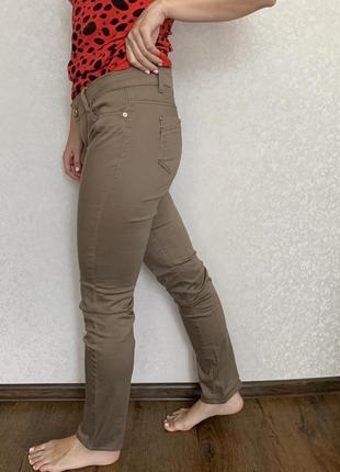 Джинси-брюки жіночі