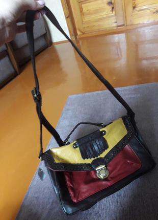 Абсолютно новая сумочка через плечо