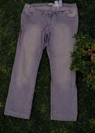 Большой размер{48 евро}: новые серые джинсы с потертостями bp
