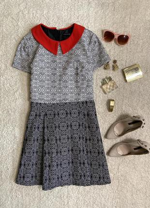 Стильное фактурное платье с контрастным воротничком №315max