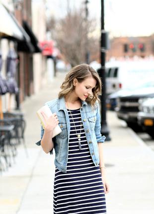 Свободное платье с боковыми карманами