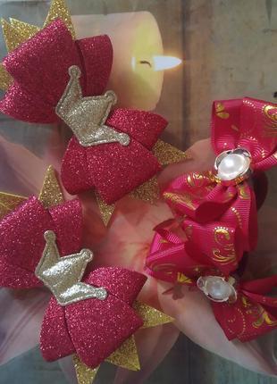 Набор аксессуаров в красно- золотом цвете