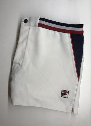 Крутые белые теннисные шорты fila оригинал топ