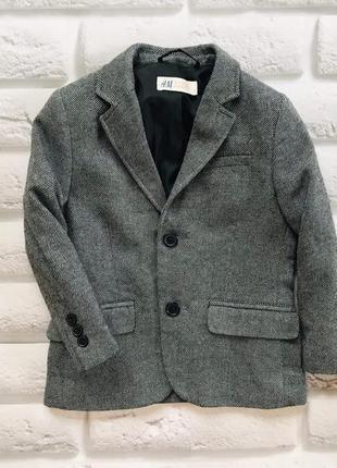 H&m   стильный  пиджак на мальчика 3-4 года