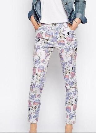 Джинси , штанішки в квітковий принт la rose