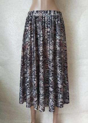 Фирменная m&co новая стильная юбка миди в оригинальном змеином принте, размер м-л
