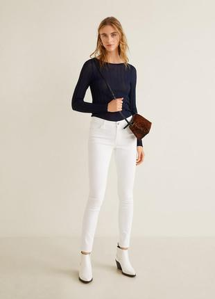 Стильные белые джинсы высокий комфорт при ношении crane.
