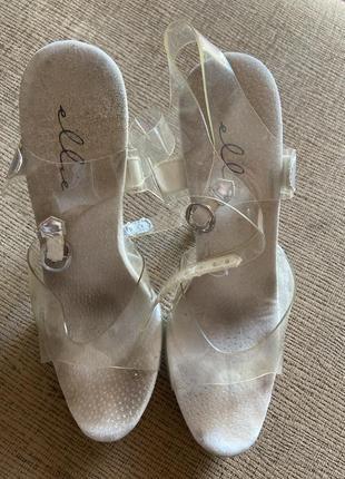 Сценические босоножки на прозрачном каблуке