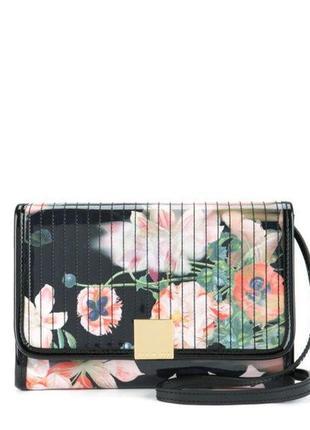 Крутая оригинальная лаковая сумочка клатч в цветы
