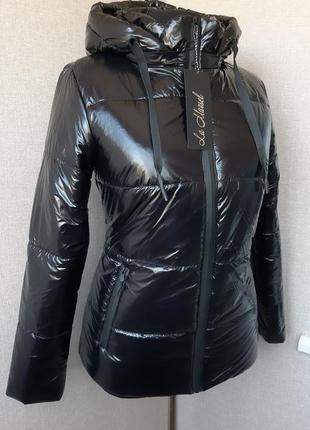 Демисезонная/зимняя лаковая чёрная куртка,курточка,короткая,тонкий пуховик,дутик s,m,l,xl