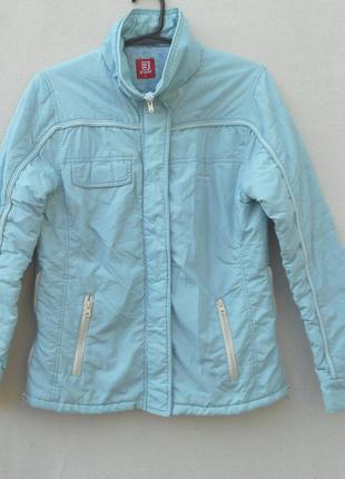 Демисезонная спортивная молодежная куртка на синтепоне