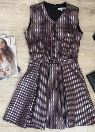 Оригинальное платье от бренда sandro