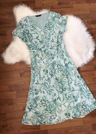 Нежное женственное платье бирюзового цвета
