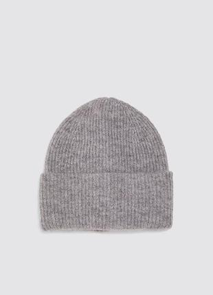 Zara шапка женская.