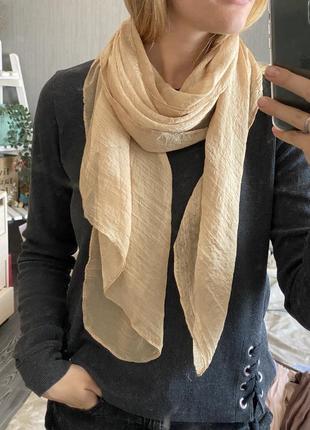 Нежный персиковый шарф весна/лето