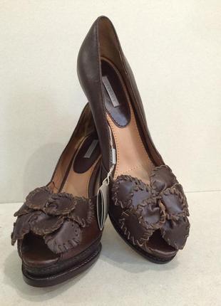 Туфли с открытыми носочком испания бренд uterque