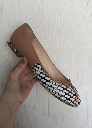Балетки carlo pazolini оригинал туфли лодочки босоножки сандали бежевые школьные кожаные