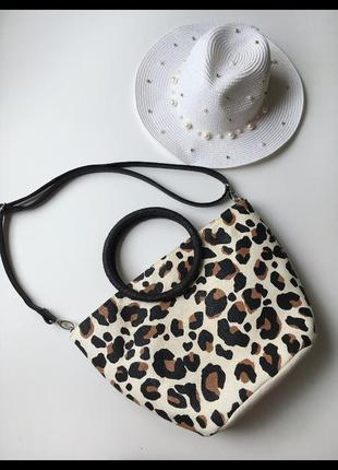 Красивая соломенная сумка